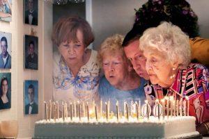 Mejores Frases de Cumpleaños para una Abuela