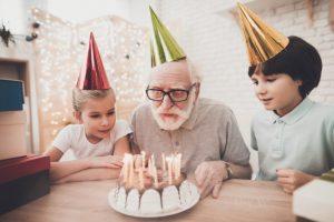 Mejores Frases de Cumpleaños para un Abuelo